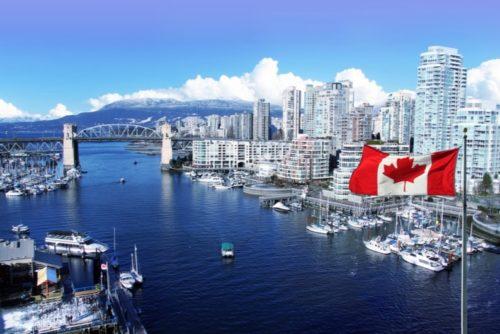バンクーバーの景色とカナダの国旗
